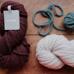 Woolfolk Hygge. 12 Burgundy, 02 Silver, 13 Dirty Sea Foam