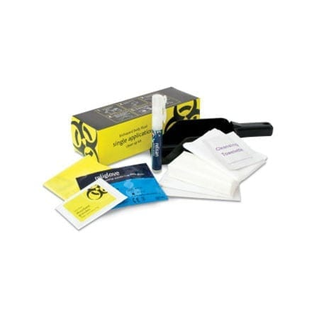 1 application body fluid clean up kit