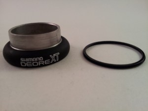 "Deore XT M730 1"" Lower Head Cup"