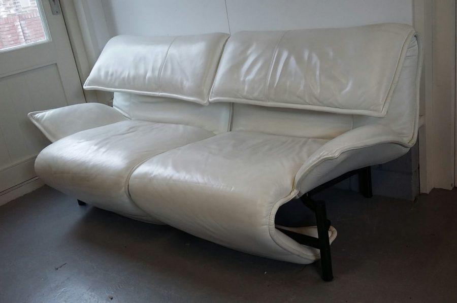 Leren Cassina Bank.Wit Lederen Bank Vico Magistretti 1 750 Euro Loos Vintage Furniture