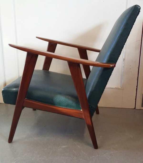 Vintage fauteuil in groen skai