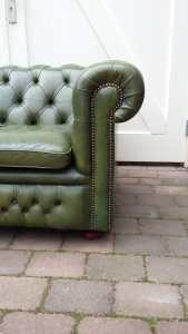 Chesterfield bank groen leuning