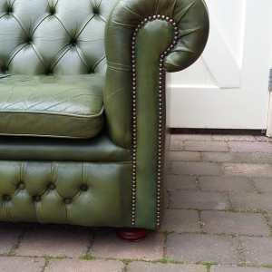 Chesterfield bank groen leuning