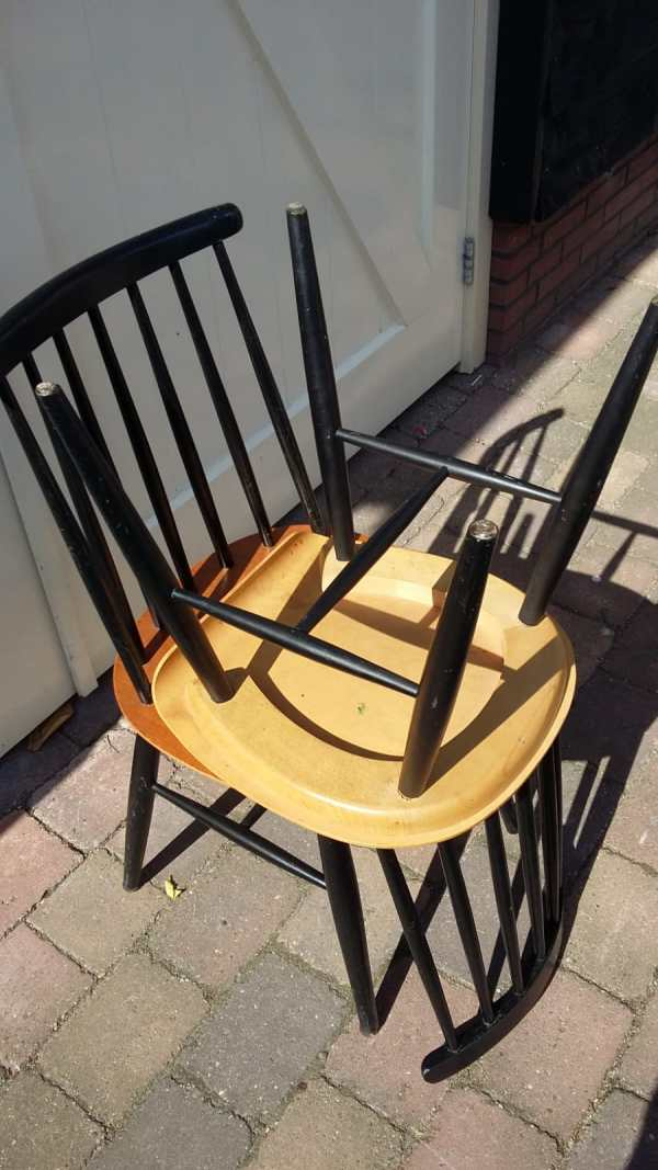 4 stoelen Fanett by Ilmari Tapiovaara onderkant
