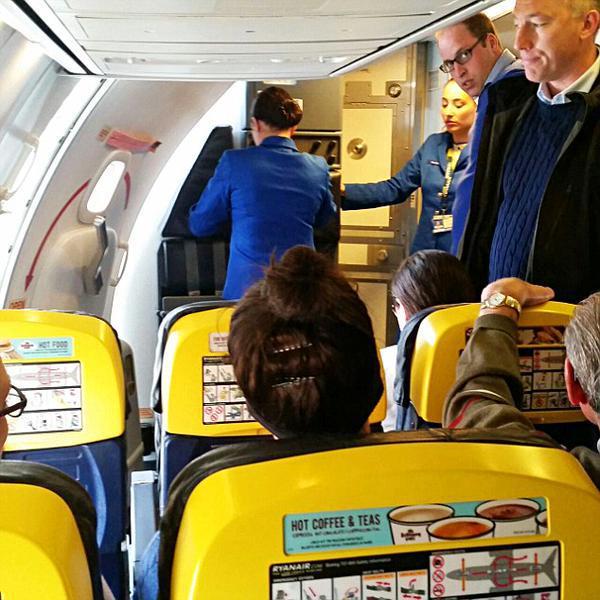William en un vuelo de la aerolínea Ryanair