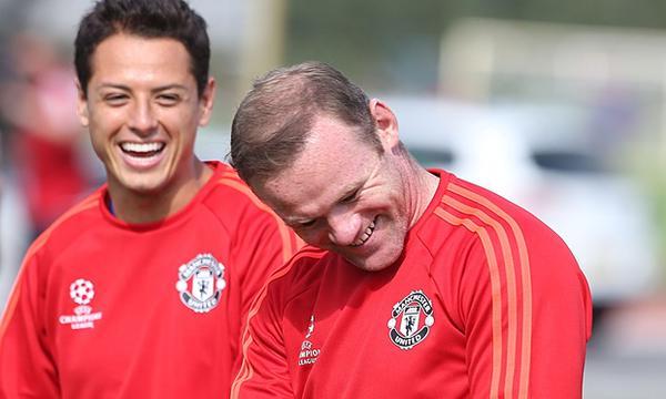 Chicharito es uno de los jugadores que podría suplir a Rooney. Foto de Getty Images