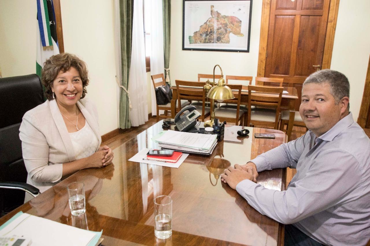 La Gobernadora y el ministro de Economía