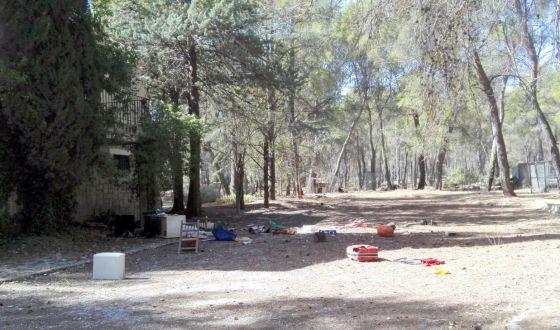 """Foto denuncia: Situación lamentable de la """"Casa de los guardas"""" en el Pantano de la Bolera. Propiedad Agencia Medio Ambiente"""