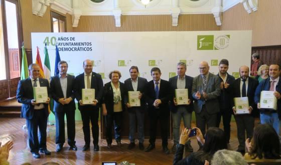 Homenajes  a los ayuntamientos y políticos jiennenses en el 40º aniversario de las primeras elecciones municipales