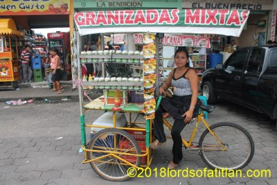 Selling Mexican sandwiches but in Mazatenango, Suchitep{equez.
