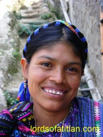Woman wearing listón in San Antonio Palopó