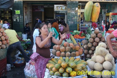 Although she lives in Retalhuleu, she travels each day to sell in Xela.