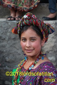Maribel was Daughter of the Town in Nebaj and so speaks ixil. However, she is also from Aldea Pulay where the people speak both ixil and k'iche'. She therefore speaks both Maya idioms.