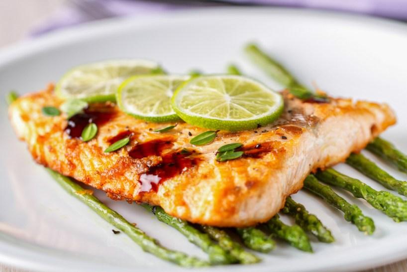 shutterstock_219545755 fish filet dinner