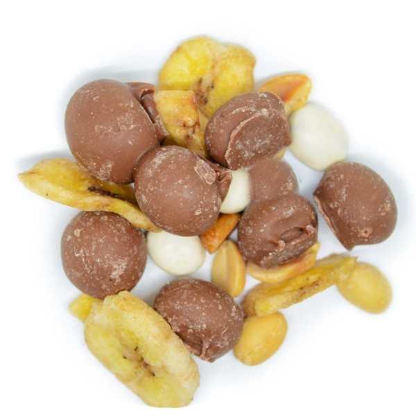 Banana-split-zoomed-in-www Lorentanuts Com