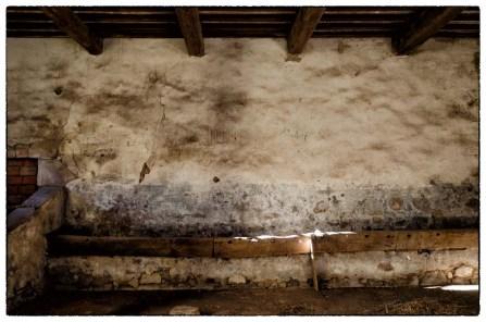 Antica stalla in casa colonica toscana