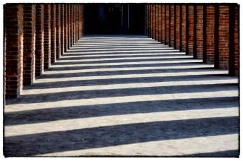 Pilastri, ombre e luci