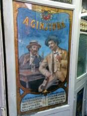 A jinginha bar di Lisbona