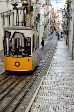 Tram per il Chado a Lisbona