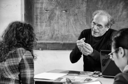 Il prof Righini, docente di tecniche pittoriche