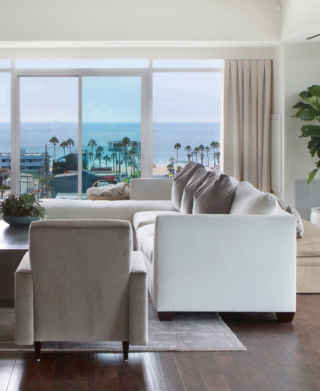 Living Room Furniture Photo
