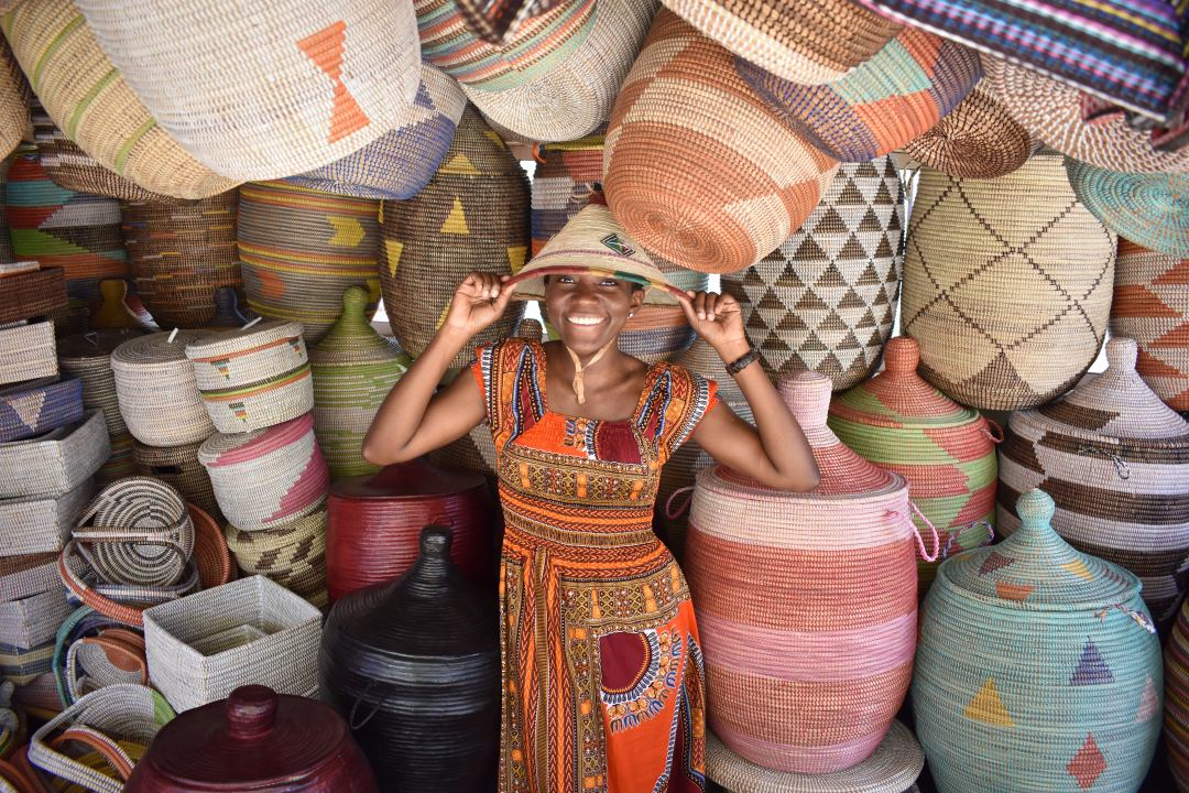 buying-a-hat-in-mbour-senegal-post-photo