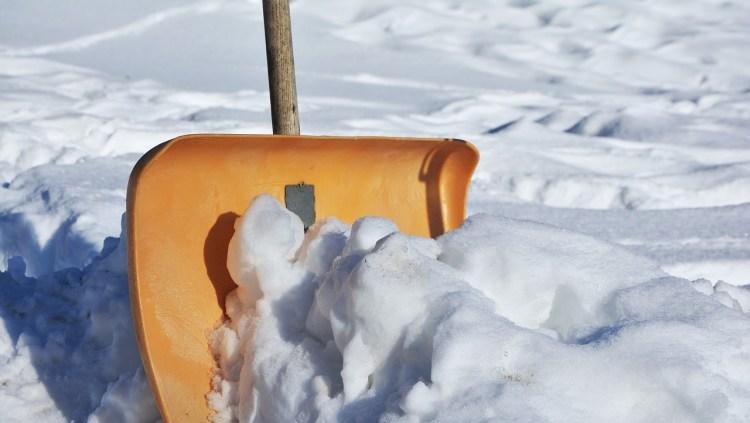 Shovel pushing snow. For blog post on shovelling and elearning.