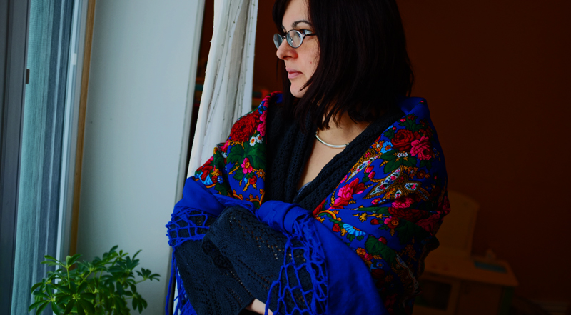 russian shawl wearing