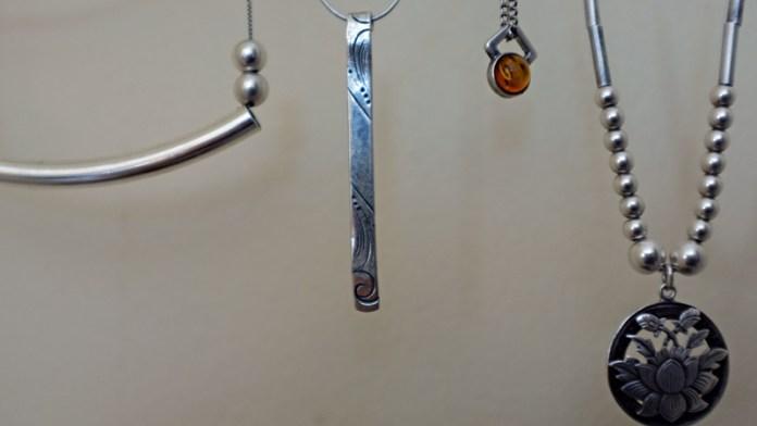 silver necklaces crop