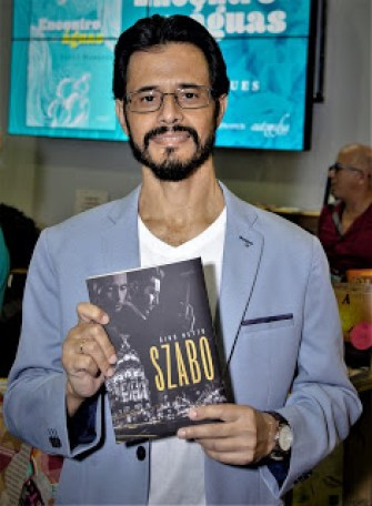 O escritor Gino Netto