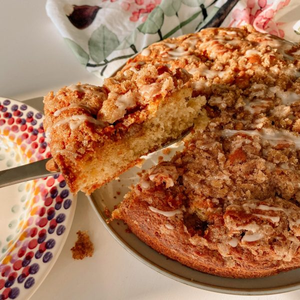 Apple & Cinnamon Crumble Cake