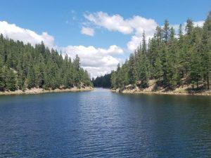Hiking around Bear Canyon Lake