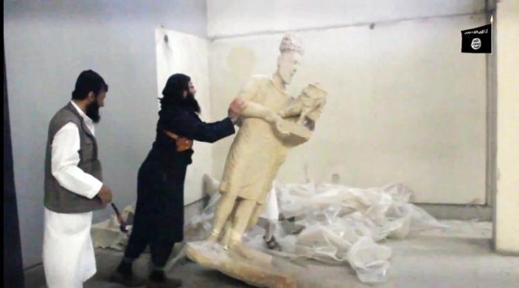 Destrucción de una estatua del rey Sanatruq de Hatra
