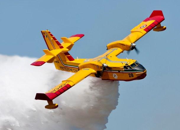 CL 415 super scooper