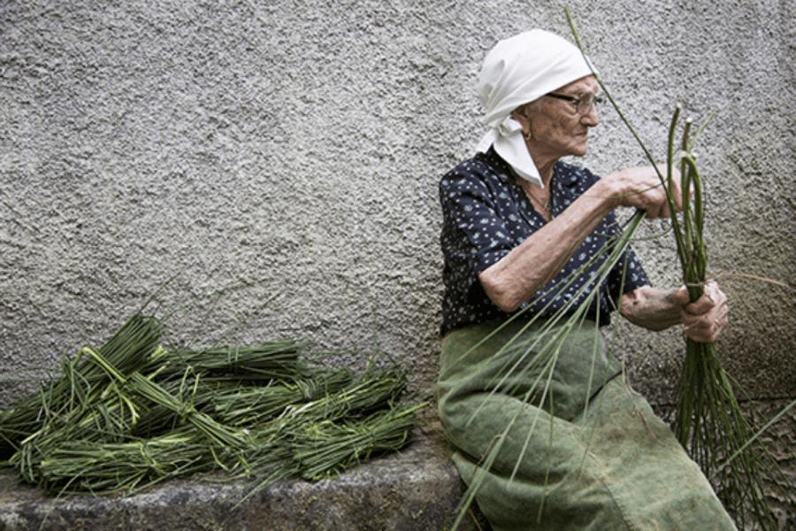 Chieri, Maria Silvestri presenta l'antica tradizione tessile lucana