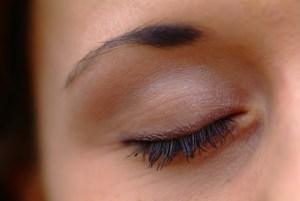 التخلص من الهالات السوداء حول العينين