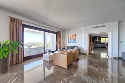 featured villa for sale los flamingos022