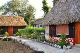 """Cabañas ecológicas """"Uh Najil Ek Balam"""" (La casa del jaguar)"""