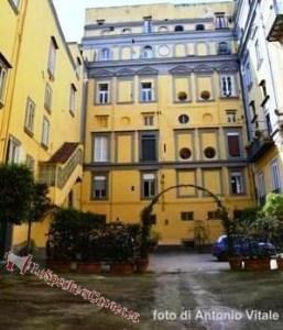 1) Il Palazzo che ospita il Real Monte Manso