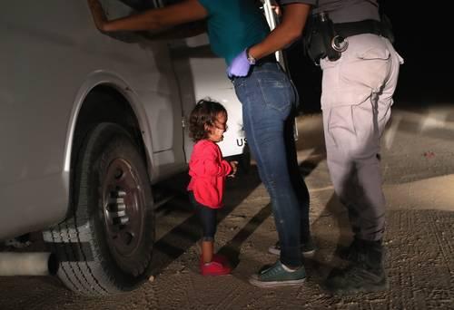 Resultado de imagen para Trump, sitiado por niños migrantes