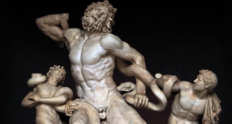 ¿Por qué las estatuas griegas tienen el miembro pequeño?