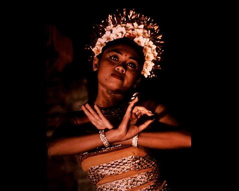 064 - Dancer from Bali, donna Grosvenor