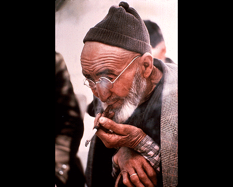 068 - Old man with beard and glasses (Turkey), Jonathon Blair
