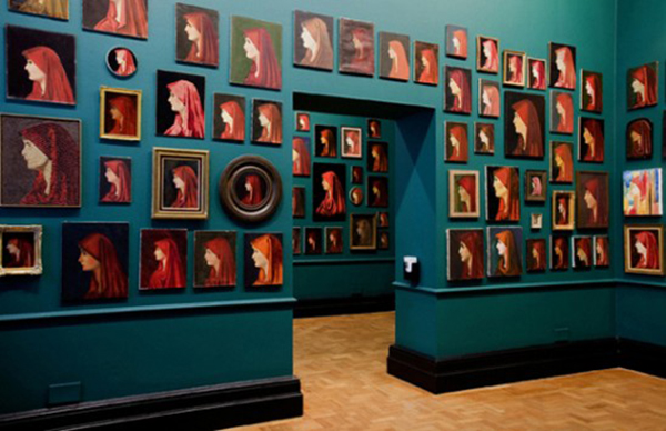 Francis Alÿs Through Fabiola, met kopieen van het denkbeeldige portret van Fabiola door Jean Jaques Hennerin de National Portrait Gallery, London. Foto: California Literary Review