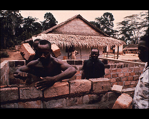 084 - House construction (African), UN
