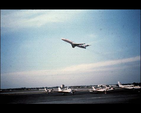 106 - Airplane in flight, Frank Drake