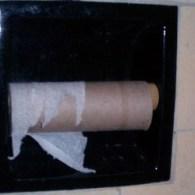 Ook altijd een hekel aan WC papier dat opraakt op precies het verkeerde moment? Klik HIER. via Incubate Blog