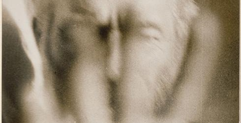 De beeldhouwwerken van Brancusi horen bij het erfgoed van de modernistische kunst. Zijn foto's zijn wat minder bekend maar daarom niet minder de moeite waard. Brancusi leerde fotograferen door vriend […]