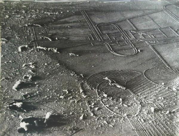 Marcel Duchamp - Elevages de Poussiéres (Collecting Dust) - 23x30cm Gelatine zilver print
