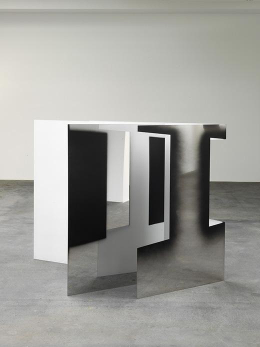 Untitled (3210S) - Roestvrij stalen platen en een beetje verf